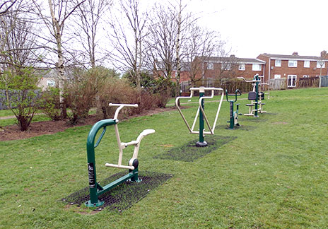 Ferryhill Town Council is hosting a free public event on Saturday 6th May to celebrate the installation of new outdoor fitness equipment at the Broom Rec.